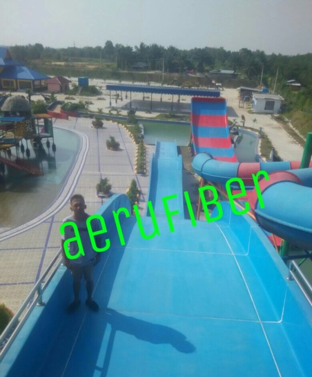 Wahana Waterboom Big Jump Slide
